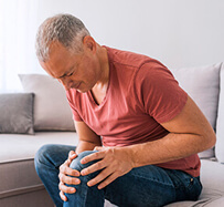 Knee Tendon Tear and Tendinitis Treatment in Floresville, TX